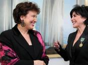 """Bachelot décore L.Foly ....pour carriere d'artiste """"caméléon""""."""