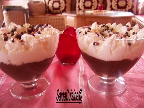Chocolats liegois avec sa chantilly!! ( version choco noir!)