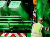 couple fait l'amour l'arrière d'un camion poubelle