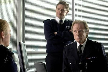 Martin Freeman, debout à gauche, & Bill_Nighy