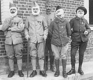 En 1921, Une Union Des Blessés De La Face Sera Fondée à Lu0027initiative De 2  Anciens De La Vème Division Du Val De Grâce Appelée Service Des ... Beau