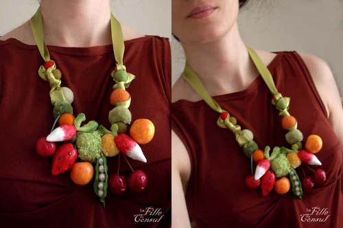 collier de fruits et légumes