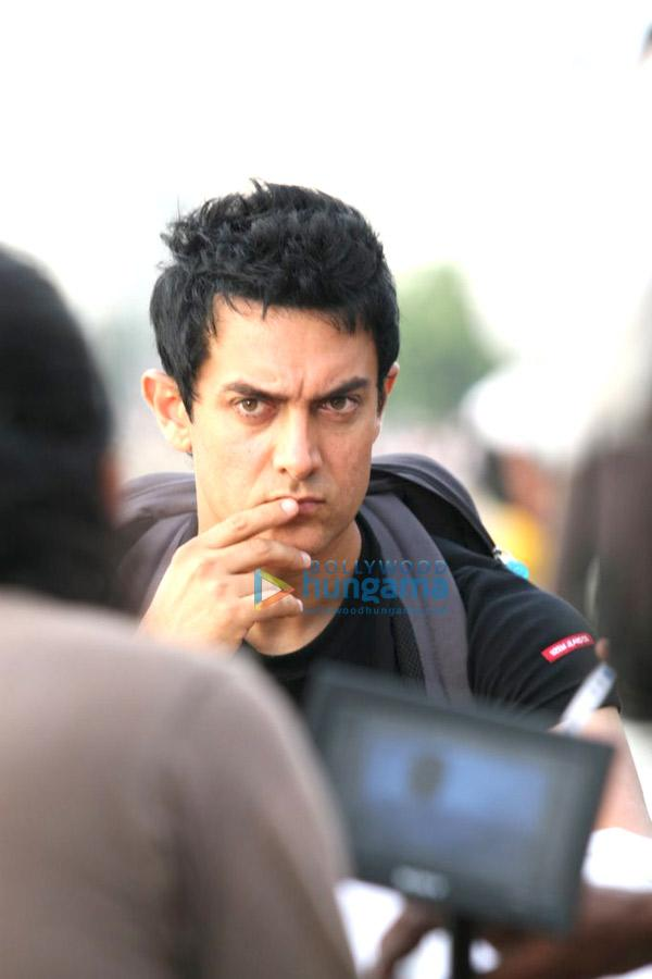 [PHOTOS] Aamir Khan shoots for Monaco Chips' ad