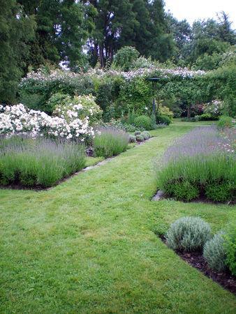 ornement de jardin ornement de jardin with ornement de jardin perfect mineraux et pierre. Black Bedroom Furniture Sets. Home Design Ideas
