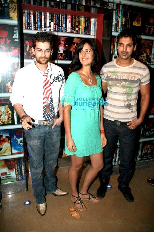 [PHOTOS]John Abraham, Katrina Kaif et Neil Mukesh @New York Media Meet