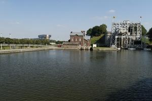 Découverte du Canal du Centre et de ses ouvrages d'art.