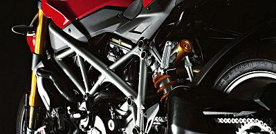 Nouvelle DUCATI STREETFIGHTER ... Un monstre de sensations & de design