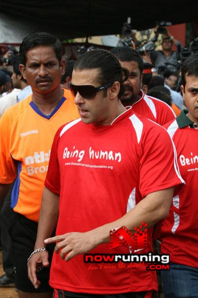 Still 18 - Salman, Sohail & Ranbir rock at Independence football match