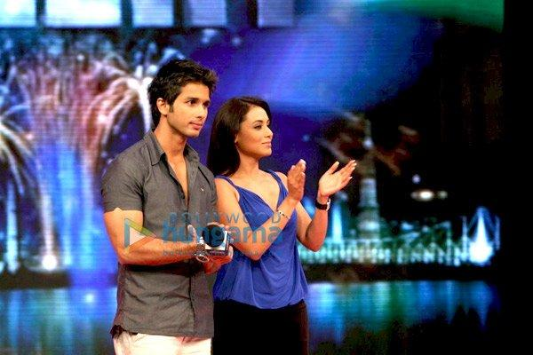 Shahid Kapoor et Rani Mukherjee à la finale de India's Got Talent