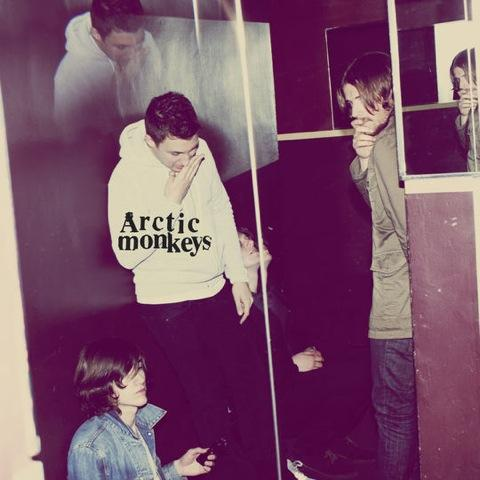ARCTIC MONKEYS :: HUMBUG
