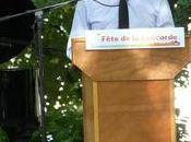 MULHOUSE Fête concorde Benoit HAMON répond questions.