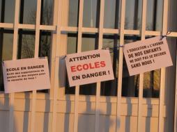 Classe fermée : les parents bloquent une école de Saintes