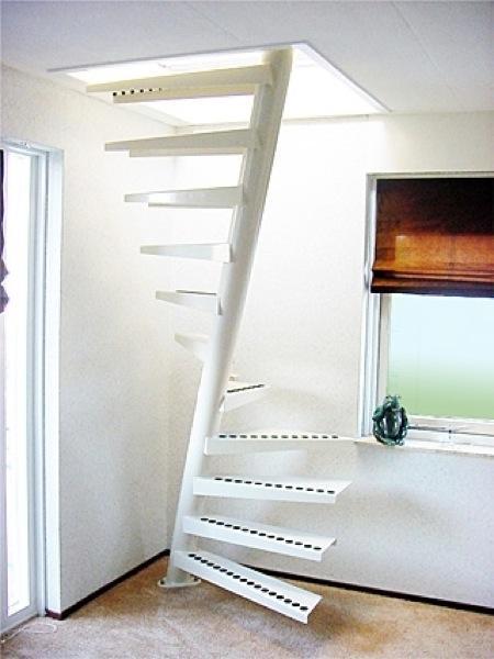 escalier petit espace beautiful escaliers gain de place parfaits pour de petits espaces with. Black Bedroom Furniture Sets. Home Design Ideas