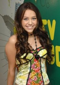 miley-cyrus-yellow-top