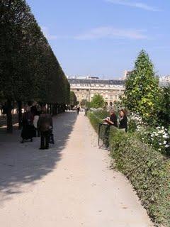 Photo de voyage. Les jardins du Palais Royal.