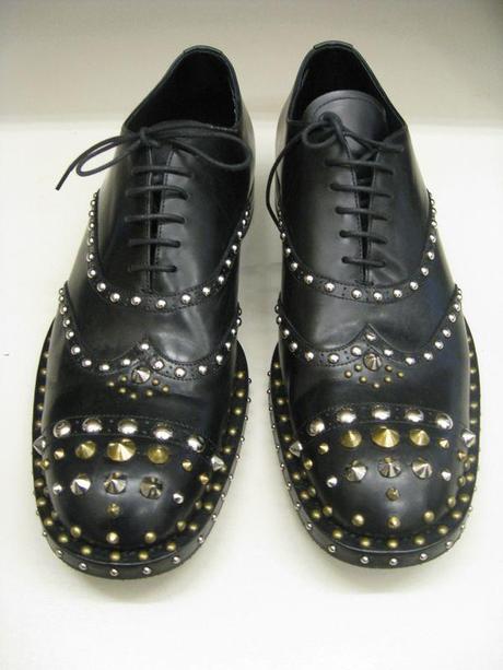Img-prada-shoe-2_113040550348