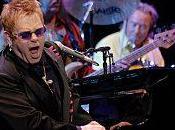 Elton John, hospitalisé, annule concerts