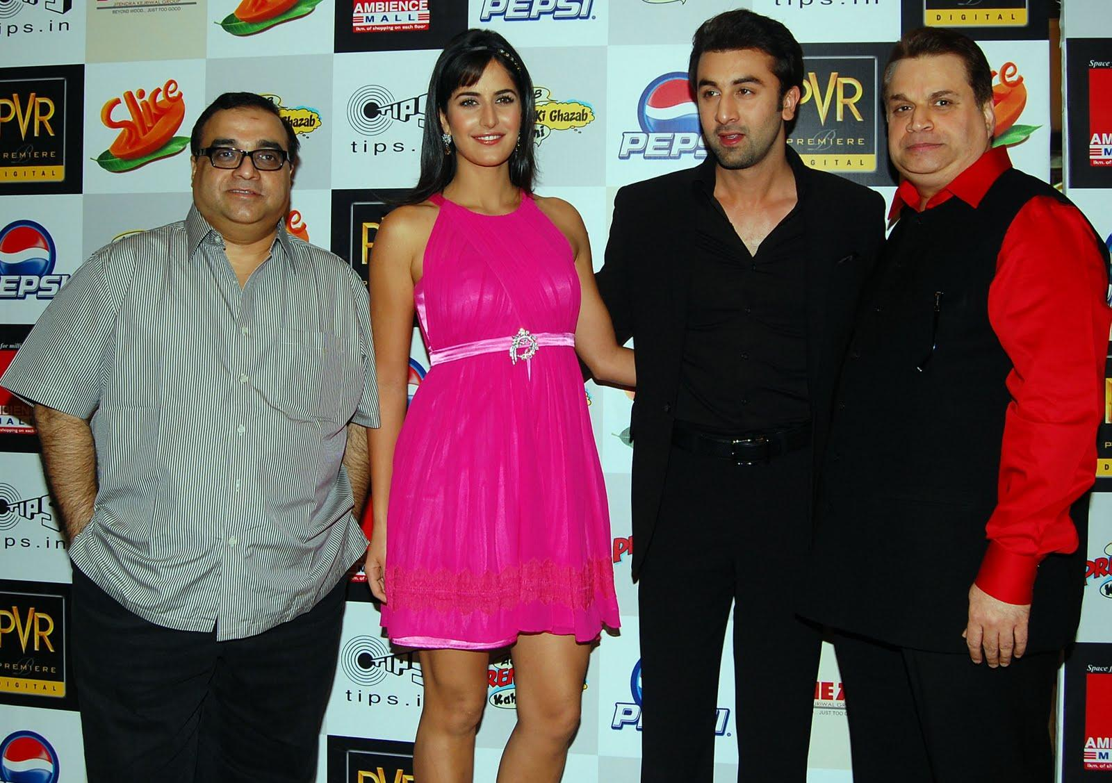 http://bollywood.celebden.com/wp-content/uploads/2009/11/Red-Carpet-Premiere-of-Ajab-Prem-Ki-Ghazab-Kahani-at-PVR-Ambience-Mall-DSC_1838.JPG