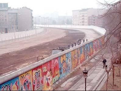 no_man_s_land_mur_de_berlin.1257798610.jpg