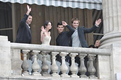 The Twilight Saga: New Moon Photocall at Hotel Crillon - Paris