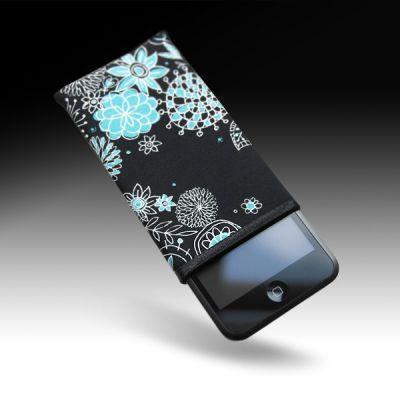 tribbes-iPhone-sleeve-07.jpg