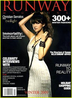Christian Serratos en couverture de Runway + pub PETA