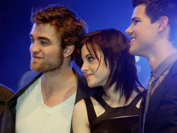 Robert Pattinson, Kristen Stewart and Taylor Lautner Meet Young Fans