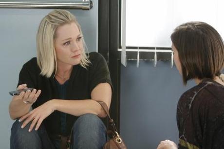 17/11 | PROGRAMME Us : Ce mardi Melrose Place, NCIS, V, SoA, 90210...