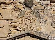 étonnant ensemble iconographique XVIIIe siècle avec l'équerre compas Mas-Saintes-Puelles (11)