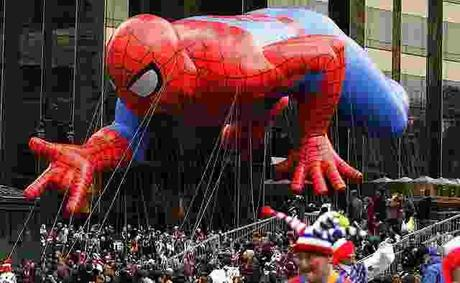 Parade de Thanksgiving : Spider-Man, Shrek, Mickey & co