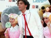 Mika chante chanson Noël Snow
