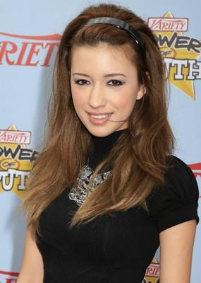 Christian Serratos et Boo Boo Stewart à Variety Power of Youth