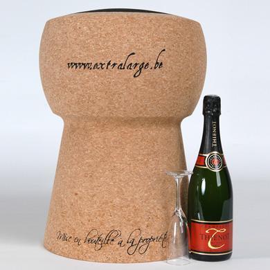 Tabouret déco Bouchon de champagne, 275€