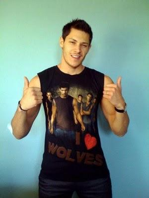 Alex Meraz revendique son appartenance à la Team Wolf Pack