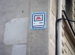 Space Invader boulevard Saint Germain 2009-11-22.jpg
