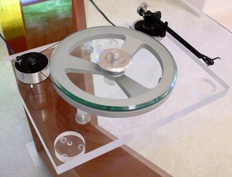 http://www.synthtopia.com/content/wp-content/uploads/2008/04/diy-turntable.jpg