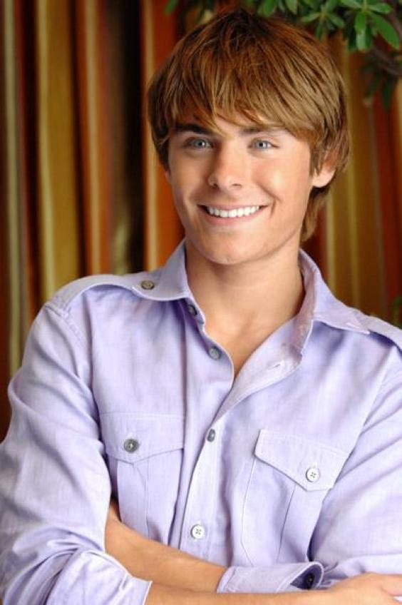 http://s.chakpak.com/se_images/52496_-1_564_none/zac-efron-wallpaper.jpg