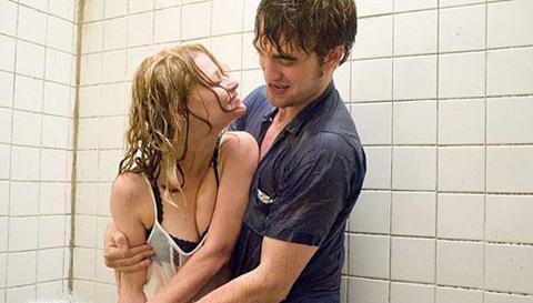 fille sur la douche de fille Squiting pussys