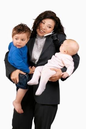 Femmes 2 enfants travail