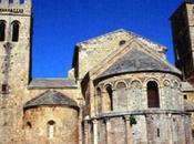 Caunes Minervois, cité fortifiée. Capitale marbre incarnat.