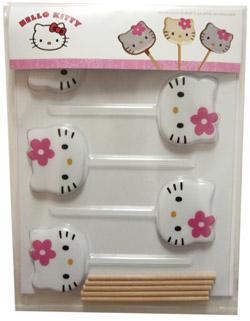 http://www.bianca-and-family.com/images/cuisine/moules-sucette-hello-kitty.jpg