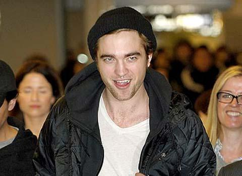 Robert Pattinson ... Il sort avec une ex top model !!