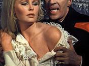 Dracula, Dracula femmes Freddie Francis, Francis Moury