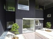 House Eaves Yasutaka Yoshimura