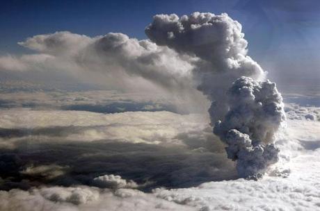nuage-de-cendres-glacier-eyjafjallajokull-15-avr-2010.1271471825.jpg