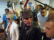 Bousculade Roissy pour retour Johnny Hallyday Vidéo