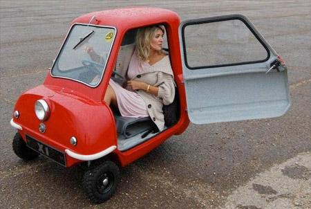 les plus petites voitures au monde en photos et vid os paperblog. Black Bedroom Furniture Sets. Home Design Ideas
