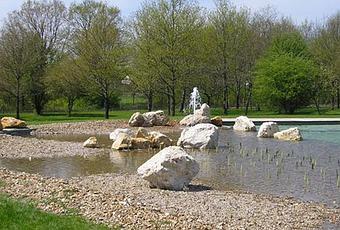 Piscine naturelle publique de mont pr s chambord voir for Combloux piscine naturelle