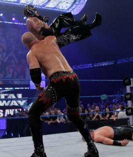 Kane s'en prend à Rey Mysterio