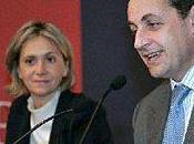 ministre l'Enseignement supérieur, Valérie Pécresse, diffère mise œuvre dixième mois bourse, promesse pourtant faite Nicolas Sarkozy.
